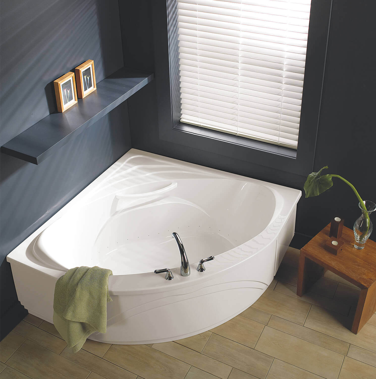 Bainultra Sensation corner drop-in air jet bathtub for your master bathroom